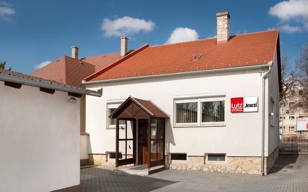 Einfamilienhaus als Firmengebäude von Lutz-Szivattyúk in Györ