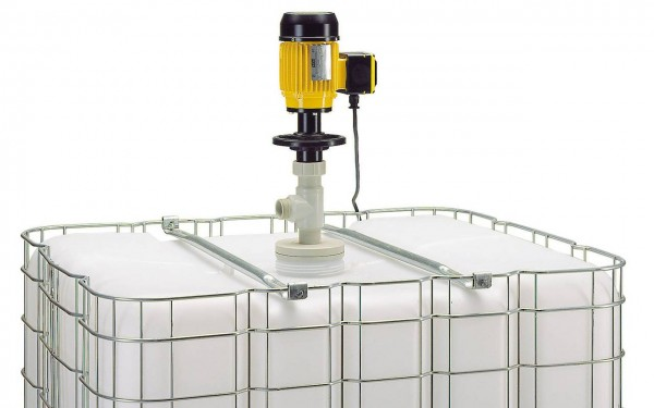 Containerpumpe B50 für Chemikalien steht in IBC Container - Motor mit geriffeltem Außengehäuse