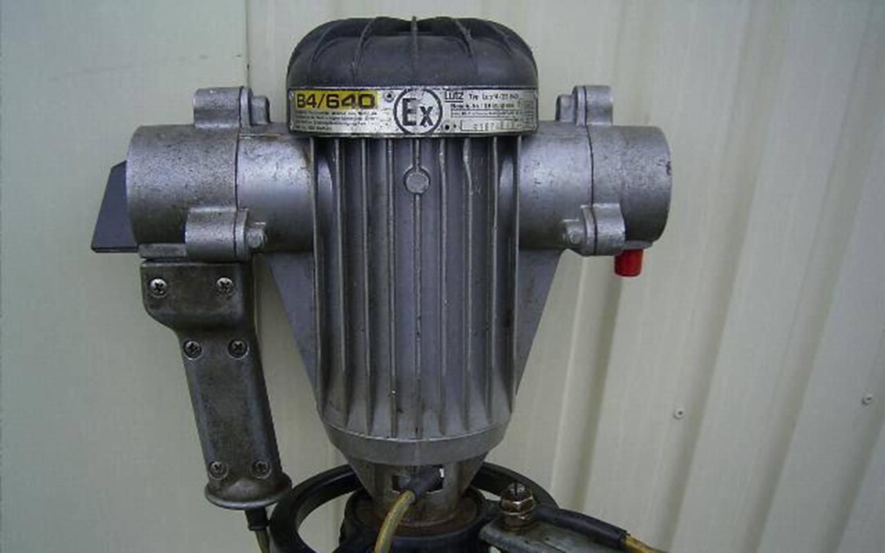 Erster exgeschützter Motor für Fasspumpen mit geriffeltem Metallgehäuse
