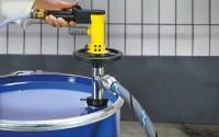 Druckluft Fasspumpe mit Druckluftmotor MD2xL und Schlauch in Fass